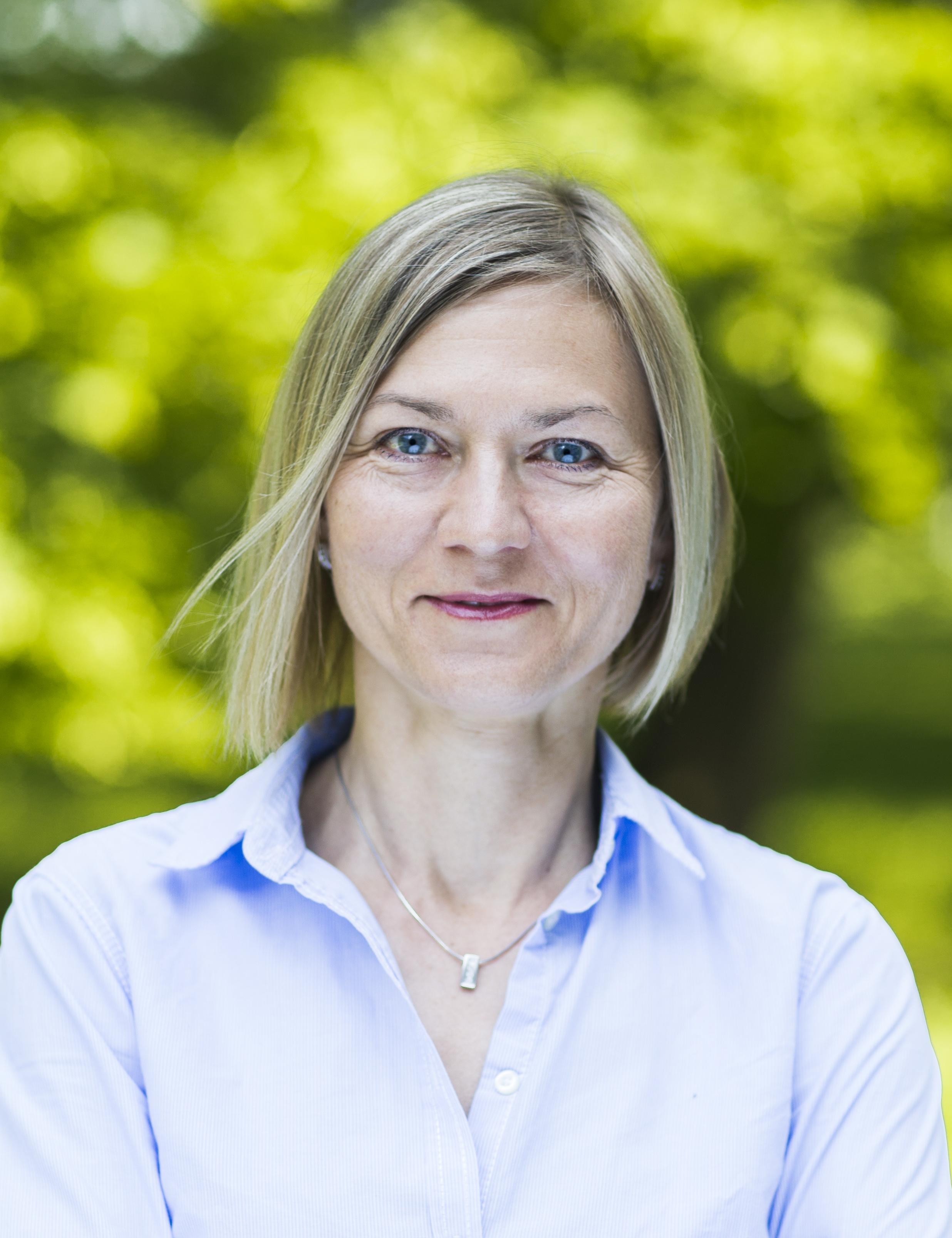 DR ALEKSANDRA NIEDZIELSKA